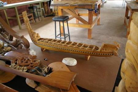 wairaki-carving